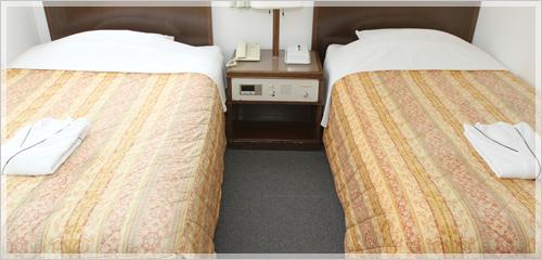 ツインルームは二部屋のみになります。